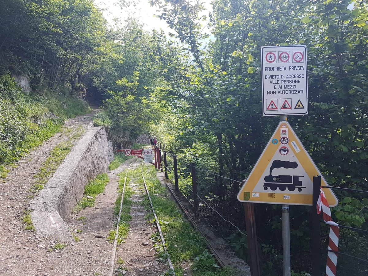 Startpunt wandeling Tracciolino richting de stuwdam