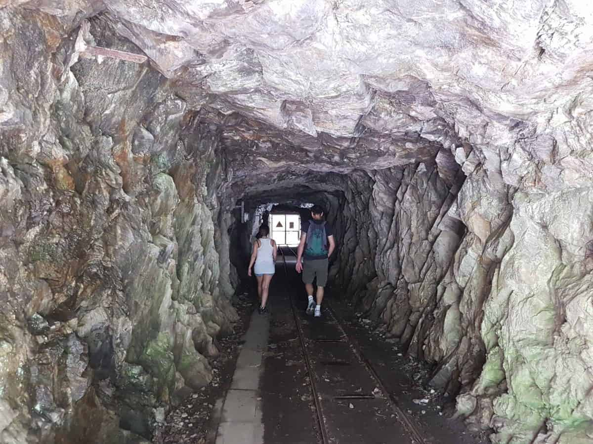 Tunnel richting de stuwdam