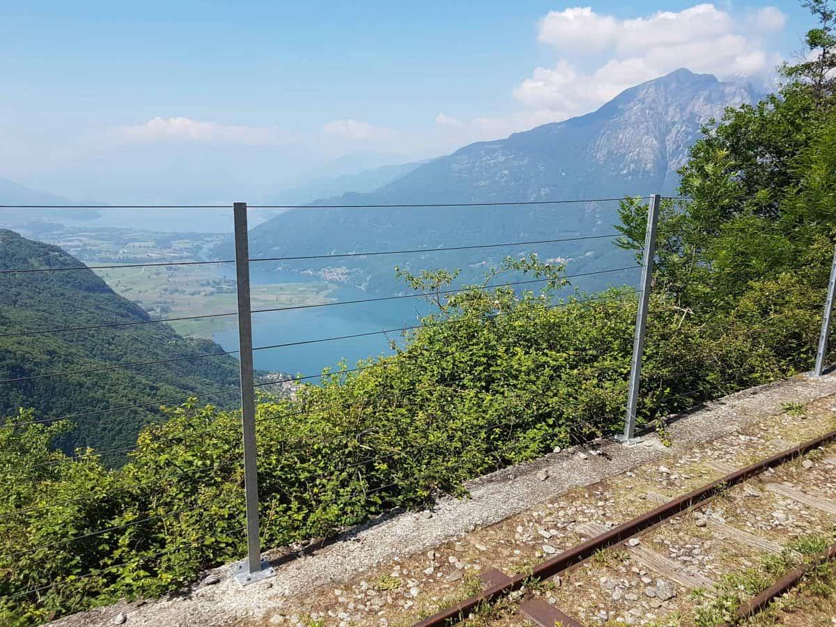 Uitzicht op het Comomeer vanaf de Tracciolino wandeling